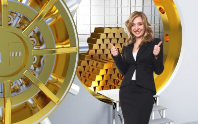 Smiling,Woman,And,Vault,With,Gold,Bars
